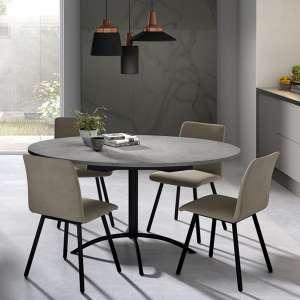table ronde dans la cuisine